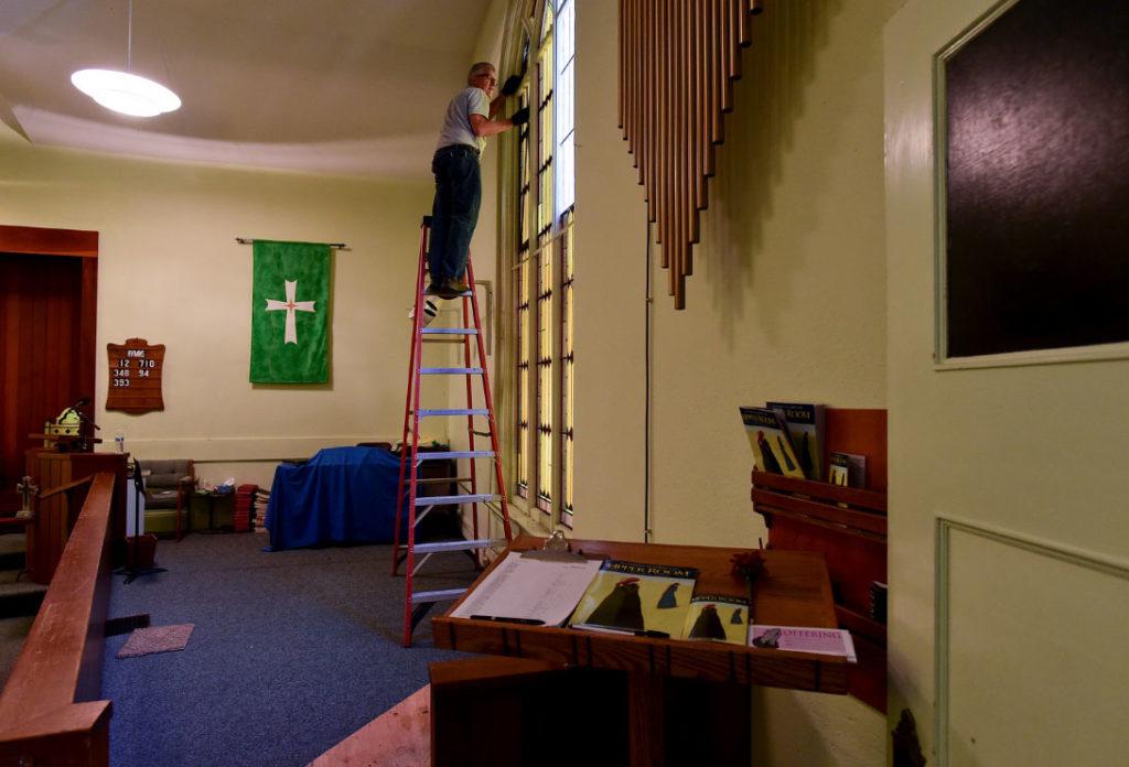 Stained-Glass-Restoration-at-Hygiene-Methodist-Church-01